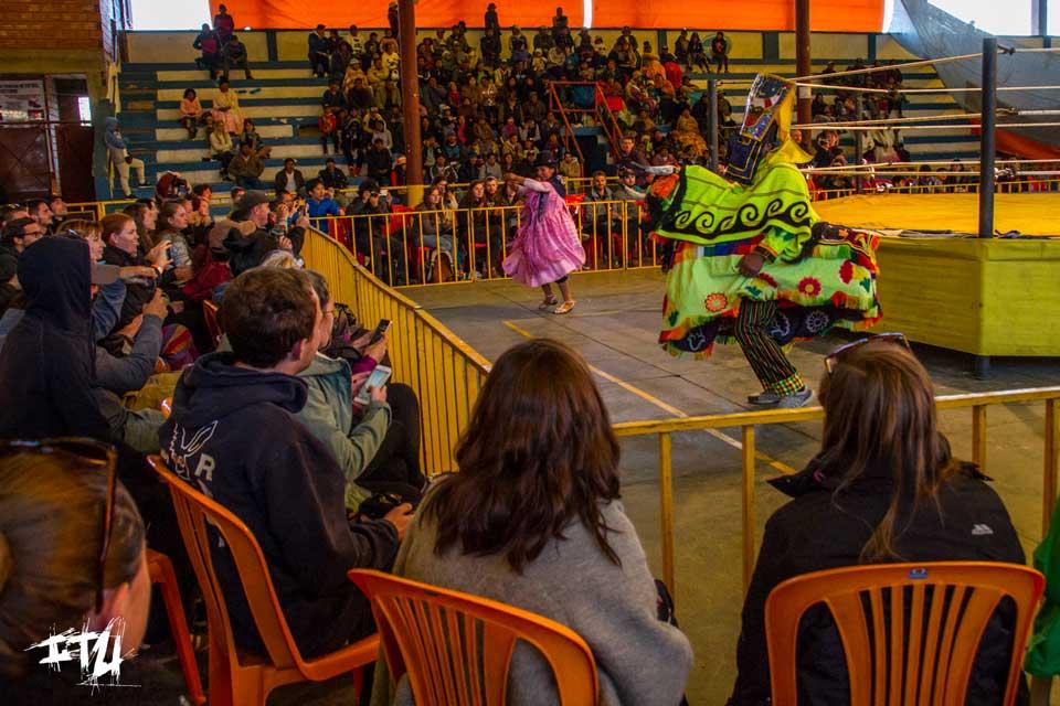 bolivien cholitas wrestling