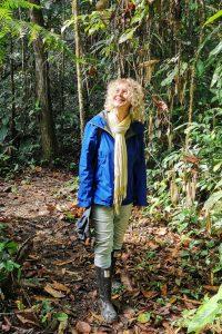 Karen Wittel, Inhaberin atambo, im Regenwald Perus